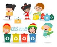 De kinderen verzamelen vuilnis voor recycling, Illustratie die van Jonge geitjes Afval afzonderen, recyclerend afval, sparen de W Royalty-vrije Stock Foto