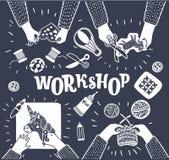 De kinderen zitten samen bij de lijst en voeren het creatieve werk uit kleuterschool Creatieve workshop Hoogste mening royalty-vrije illustratie