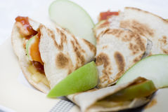 De Kip Quesadilla van de appel stock afbeelding