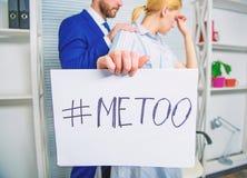 De klacht van de onderscheidsaanval Slachtoffer van het schandaal het seksuele misbruik Aanval op het werk Aanval bij werknemer w stock fotografie