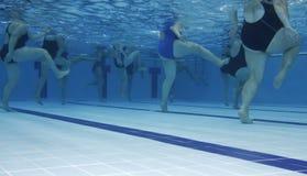 De klasse van de aerobics Stock Afbeeldingen
