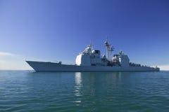 De klassenkruiser van Ticonderoga op zee Royalty-vrije Stock Foto's