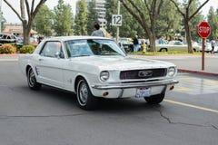 De klassieke auto van Ford Mustang op vertoning Royalty-vrije Stock Foto's