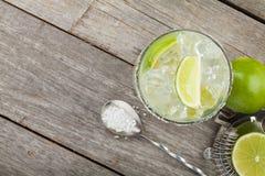 De klassieke cocktail van Margarita met zoute rand royalty-vrije stock foto