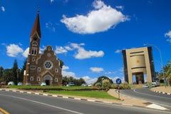 De klassieke Duitse Lutheran Kerk van Christus in Windhoek Één van de belangrijkste aantrekkelijkheden van de stad stock foto