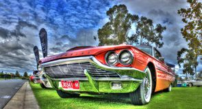 De klassieke jaren '60 Amerikaan bouwden Ford Thunderbird Royalty-vrije Stock Afbeeldingen