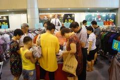 De kledingstentoonstelling van het Shenzhen internationale beroemde merk Royalty-vrije Stock Afbeeldingen