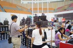 De kledingstentoonstelling van het Shenzhen internationale beroemde merk Royalty-vrije Stock Foto's