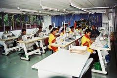 De kledingstukkenindustrie in Bangladesh royalty-vrije stock afbeeldingen