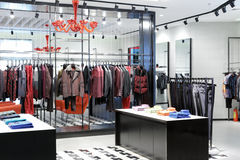 De kledingswinkel van vrouwen Royalty-vrije Stock Afbeeldingen