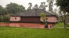 De kleine heiligdombouw in de Pagode van Thien Mu in Tint, Vietnam royalty-vrije stock foto