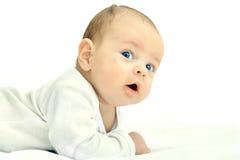 De kleine jongen kroop op de vloer Royalty-vrije Stock Foto