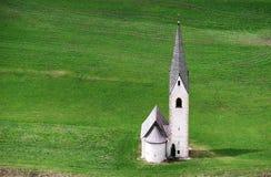De kleine kerk van Kals am Großglockner royalty-vrije stock afbeelding
