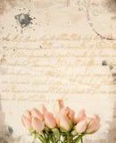 De kleine roze achtergrond van het rozenboeket stock afbeeldingen