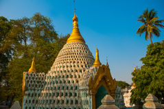 De kleine standbeelden van Boedha Pagode Amarapura, Myanmar birma Stock Foto