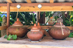 De kleipot op drinkwater is de Thaise manier van het leven, lannastijl Royalty-vrije Stock Foto