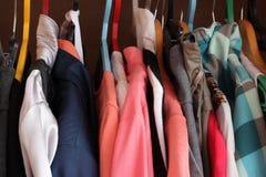 De kleren stock afbeeldingen