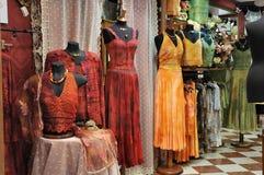 De kleren van de vrouw stock afbeelding