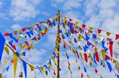 De kleur van de vlag is de hemelachtergrond. Stock Foto