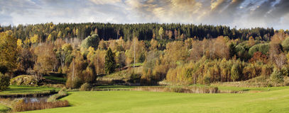 De kleuren en het landschap van de herfst Stock Foto