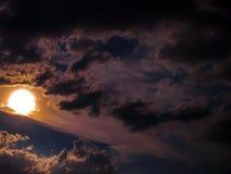 De Kleuren van de zonsondergang Stock Afbeeldingen