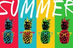 De kleurenontwerp van de de zomerananas met hipsterglazen royalty-vrije illustratie
