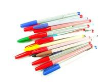 de kleurenpennen kleuren pennen op Witte achtergrond worden geïsoleerd die Royalty-vrije Stock Afbeelding
