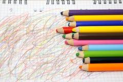 De kleurpotloden van de kleur stock fotografie