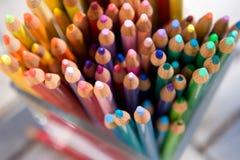 De kleurpotloden van het potlood Stock Afbeeldingen