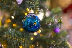 De kleurrijke achtergrond van de Chrismasboom bokeh Stock Foto