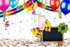 De kleurrijke achtergrond van de de verjaardagsviering van partijcarnaval Stock Afbeelding