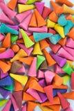 De kleurrijke achtergrond van de wierookkegel Stock Foto