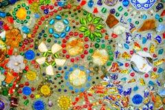 De kleurrijke achtergrond van het mozaïekpatroon Gemaakt van ceramisch Royalty-vrije Stock Foto's