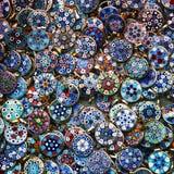De kleurrijke achtergrond van kostuumjuwelen Royalty-vrije Stock Foto's