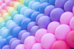 De kleurrijke achtergrond van onduidelijke beeldenballons Stock Afbeelding