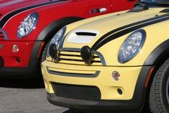 De kleurrijke Auto's van Mini Cooper stock afbeelding
