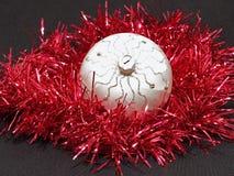 De kleurrijke bal van Kerstmis. Stock Afbeelding