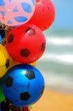 De kleurrijke ballen van de jonge geitjeslucht deisgned als voetbalballen Royalty-vrije Stock Fotografie