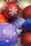 De kleurrijke ballen van Kerstmis Stock Foto