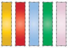 De kleurrijke banners van het prikkeldraad Stock Fotografie