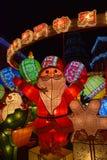 De kleurrijke Decoratie van de Kerstmislantaarn in Senado Vierkant Macao China Royalty-vrije Stock Foto