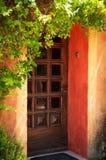 De kleurrijke deur van de het huisingang van de Provence royalty-vrije stock fotografie