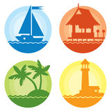 De kleurrijke geplaatste pictogrammen van de de zomerreis Stock Afbeelding