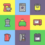 De kleurrijke geplaatste pictogrammen van keukentoestellen royalty-vrije illustratie
