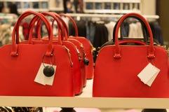 De kleurrijke handtassen als nieuw jaar stelt voor royalty-vrije stock afbeelding