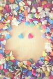 De kleurrijke harten van het confettiensuikergoed Stock Foto's
