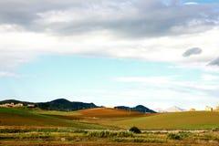 De kleurrijke Herfst en bewolkte hemel Royalty-vrije Stock Foto