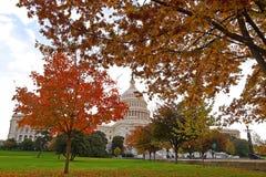 De kleurrijke herfst op Capitol Hill Stock Foto's