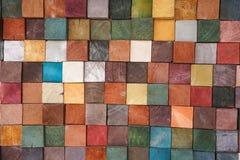 De kleurrijke houtsnede betegelt patronen abstracte achtergrond stock foto's