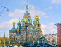 De kleurrijke kerk Stock Afbeeldingen